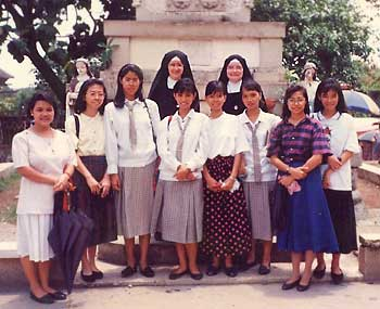 "SSPX Sisters in Manila ""hunting"" for vocations"