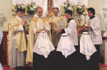 novices receive crown of thorns